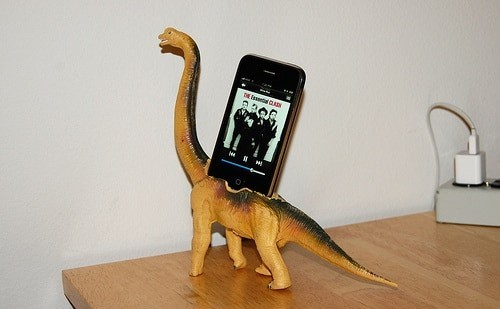 brachiosaurus-iPhone-Dock