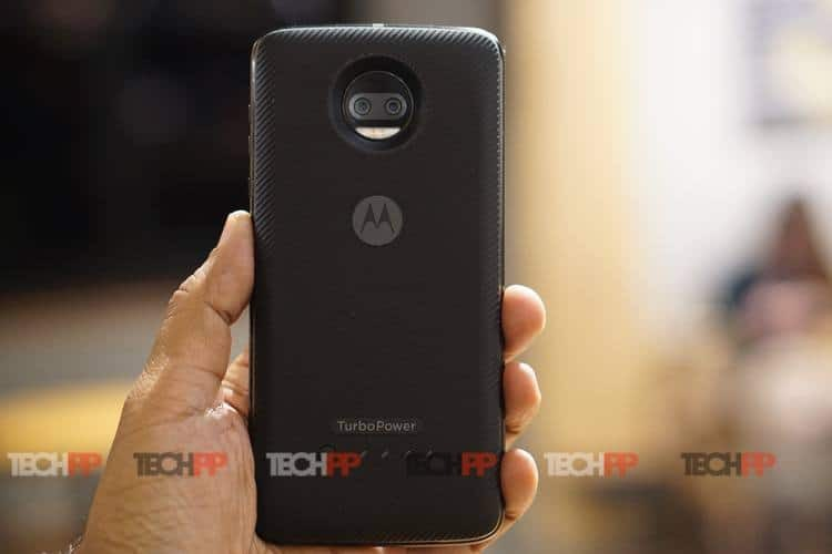 moto z2 force review 4