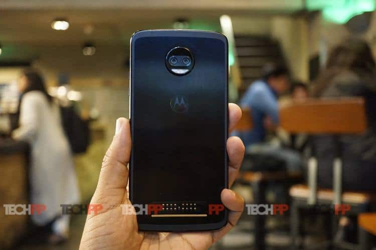 moto z2 force review 8