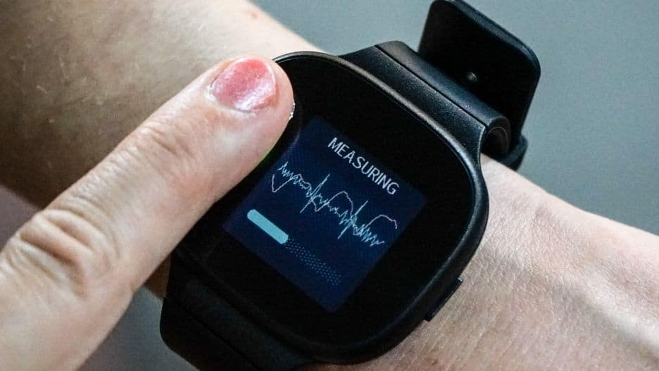 Asus VivoWatch BP Arrives with Blood Pressure Monitoring and ECG Feature