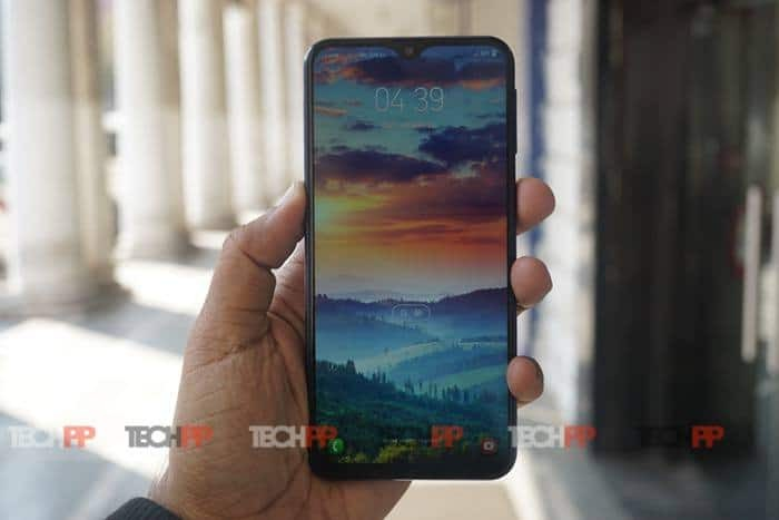 Samsung Galaxy M20 Review: Here's looking at you, (Redmi) Note