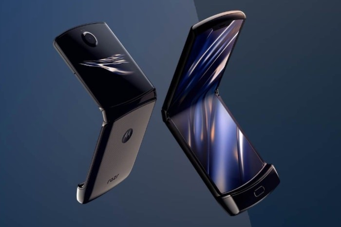 Moto turns foldable phones on their head with Razr, and gets it right!