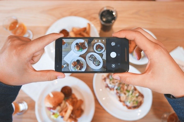 Need to choose a dish at a restaurant? Use Google Maps!