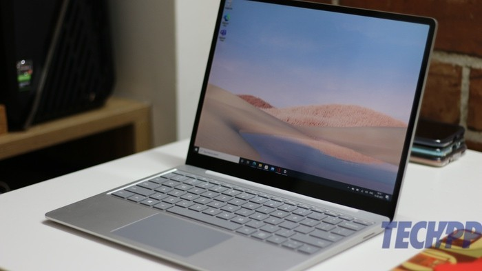 surface laptop go display